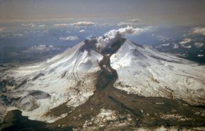 Lahar poerupcji Mount St. Helens w1982 roku Źródło domena publiczna, dostępny winternecie commons.wikimedia.org.