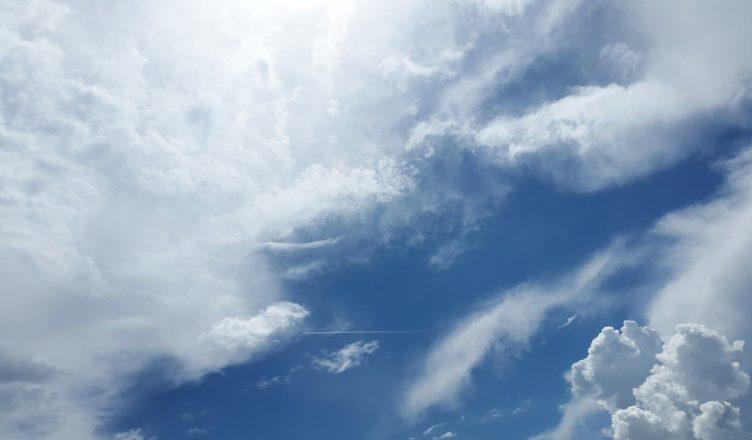 Smugi kondensacyjne i chmury. Wpływ działalności człowieka na atmosferę Ziemi - scenariusz dla nauczyciela